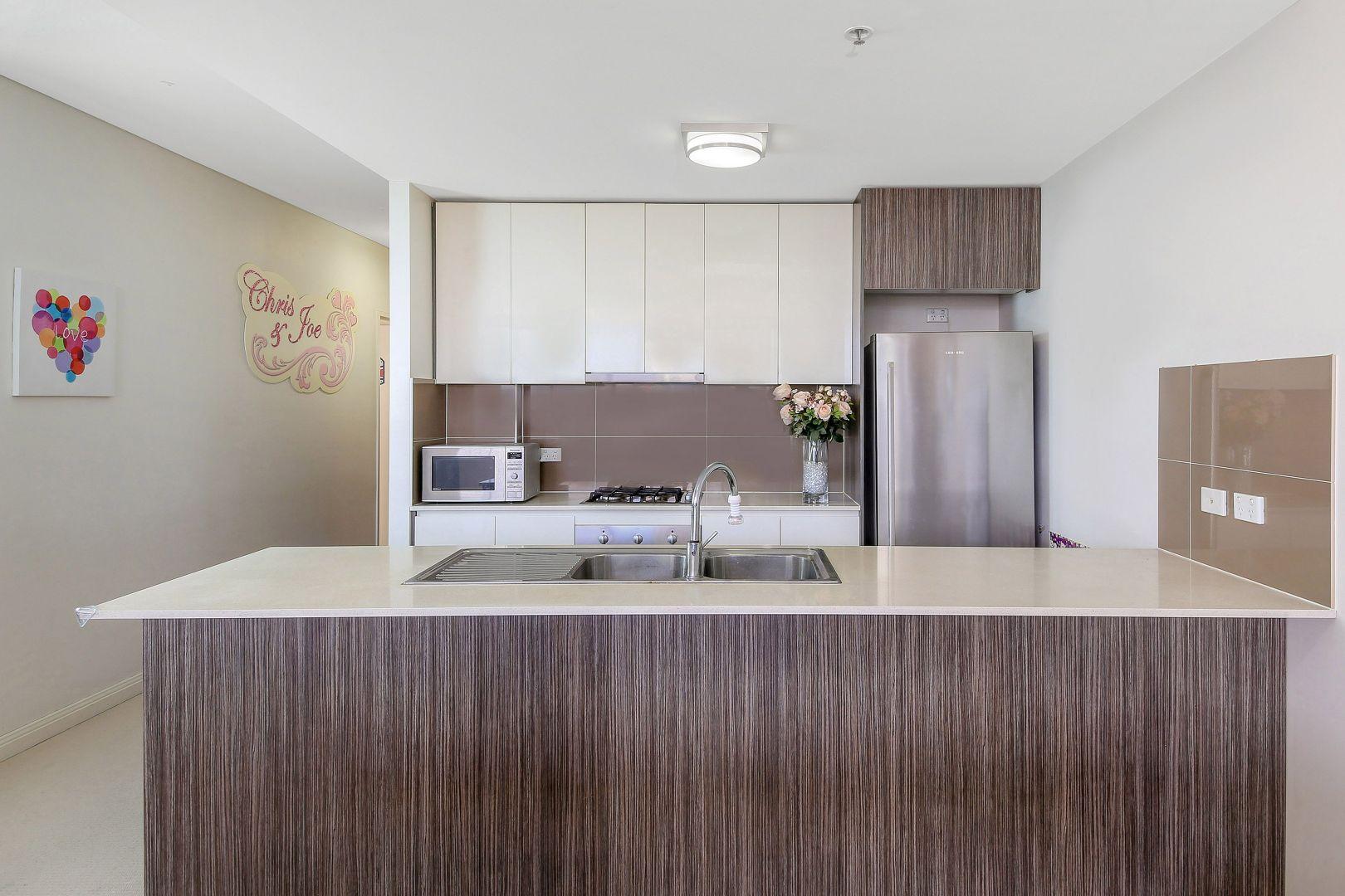 1007/6-10 Charles Street, Parramatta NSW 2150, Image 2