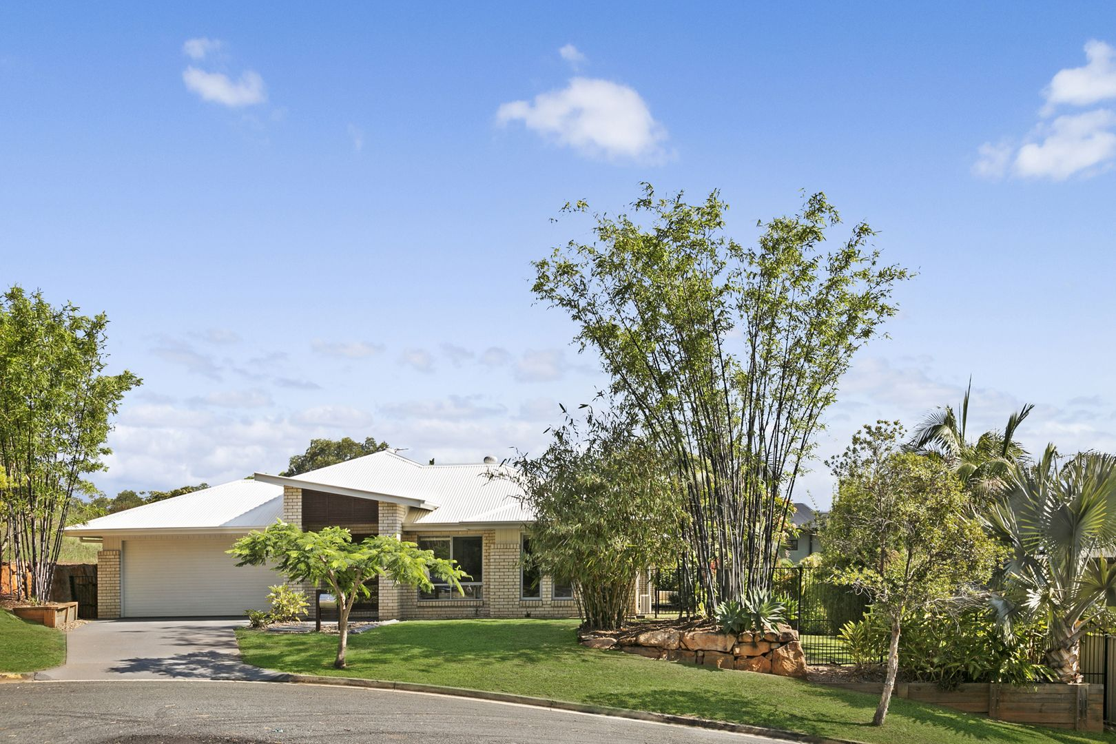 37 Emerson Drive, Bonogin QLD 4213, Image 1