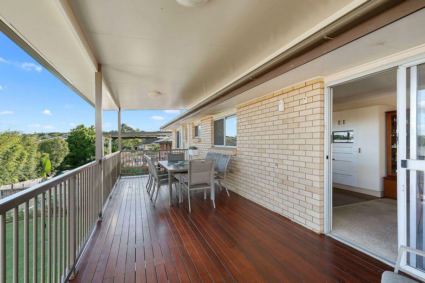 33 Mourilyan Street, Mansfield QLD 4122, Image 1