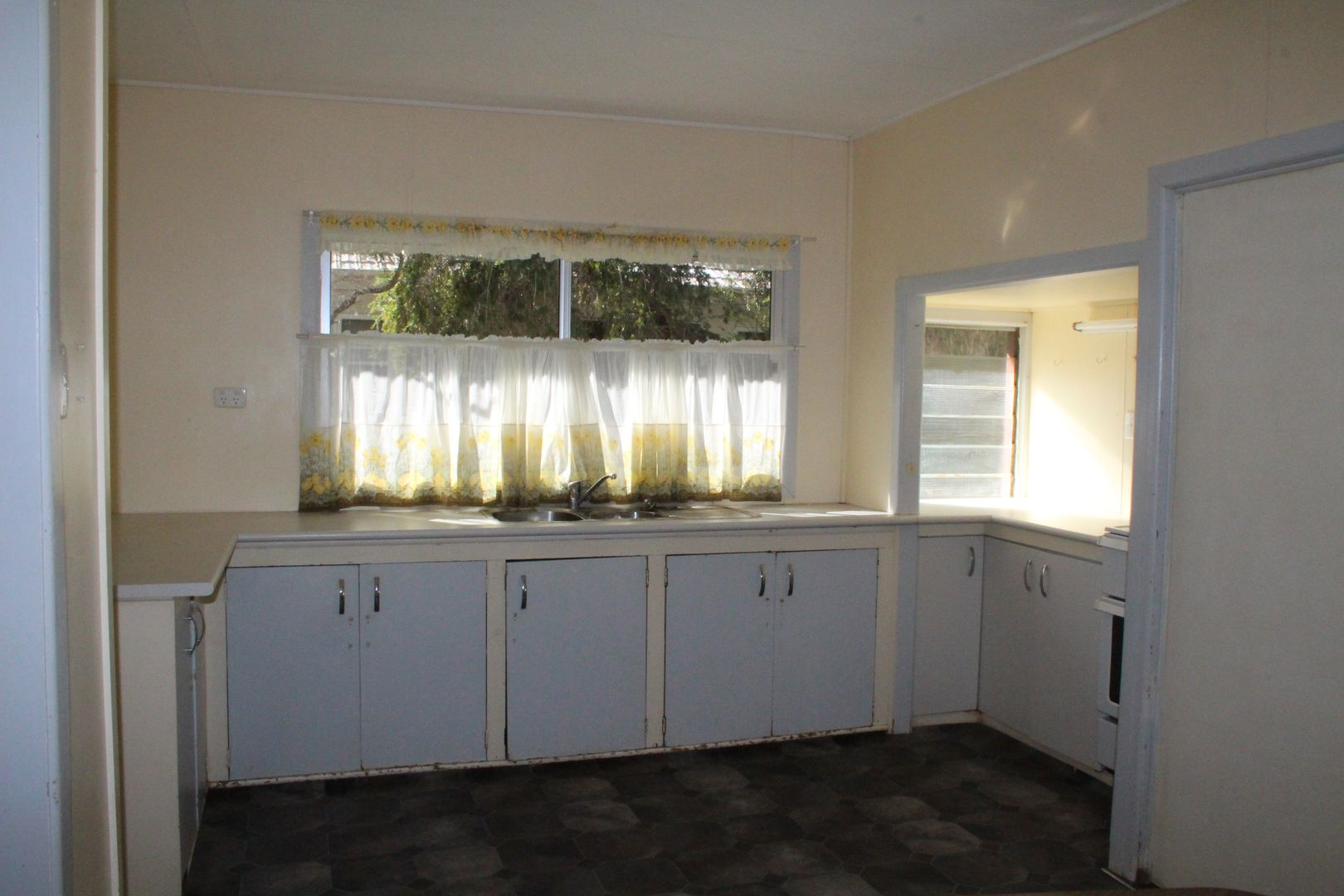 58 Galatea Street, Charleville QLD 4470, Image 2