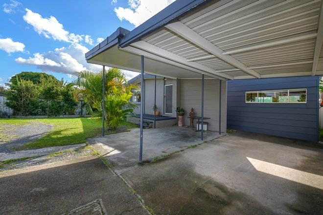 Picture of 153 Musgrave Avenue, LABRADOR QLD 4215
