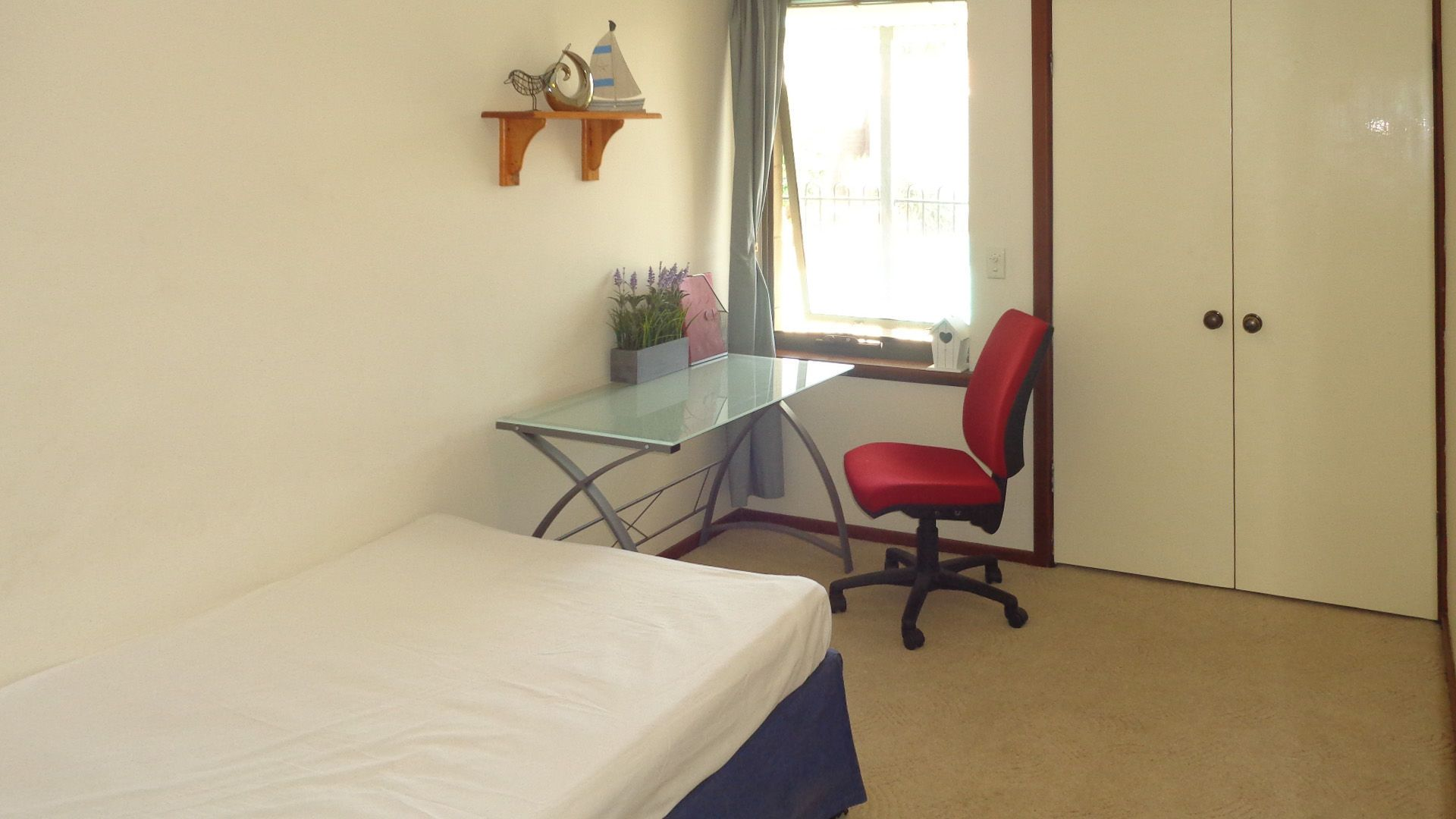 Room 2/10 Gracechurch Crescent, Leeming WA 6149, Image 1