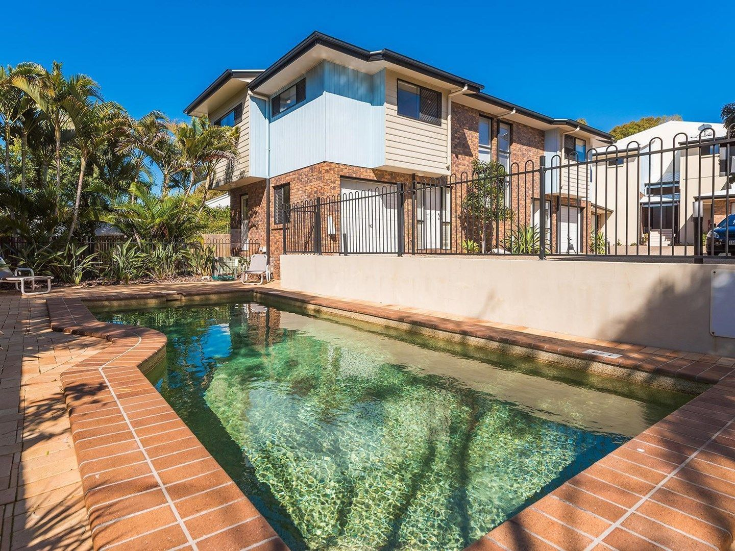 8/9 Beacon Court, Sunrise Beach QLD 4567, Image 0
