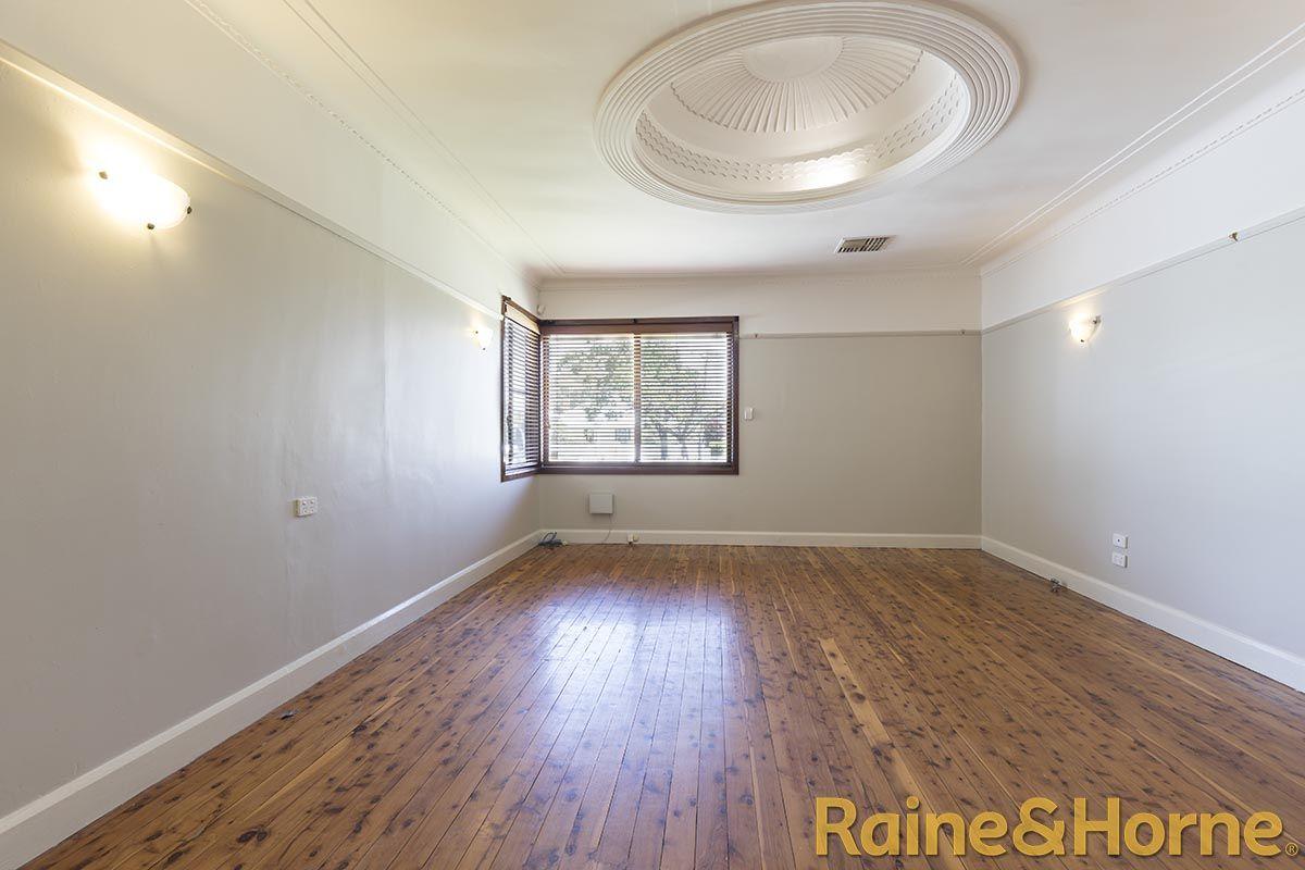 6 Rawson Street, Dubbo NSW 2830, Image 2