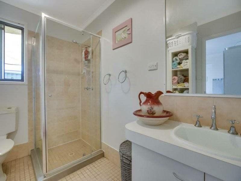 2/2 Sutton Street, Victoria Point QLD 4165, Image 2