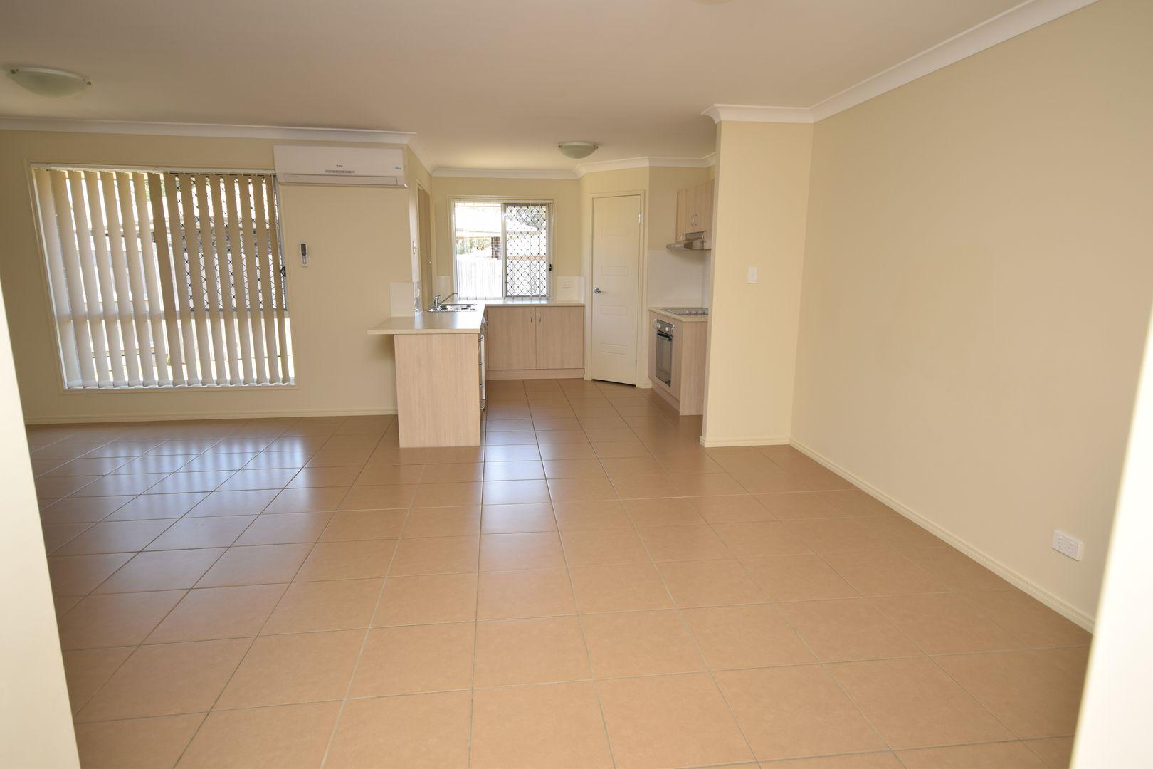 8 Myrtle Court, Fernvale QLD 4306, Image 2