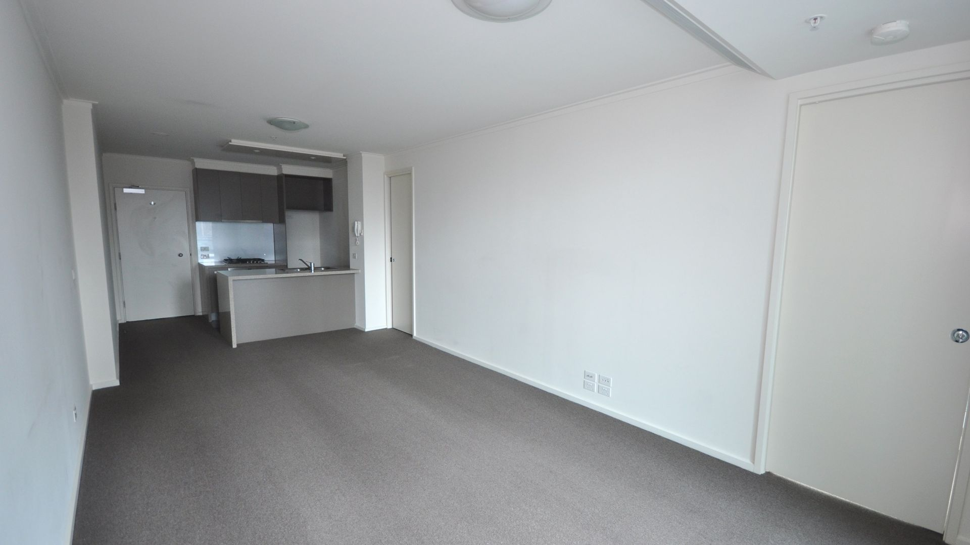 REF 061400/180 City Road, Southbank VIC 3006, Image 2