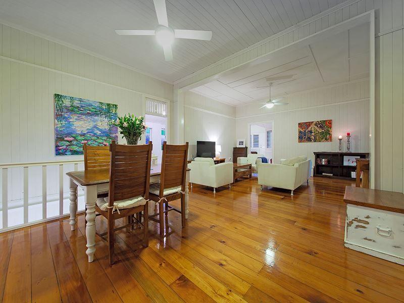 63 Hipwood Avenue, Coorparoo QLD 4151, Image 2