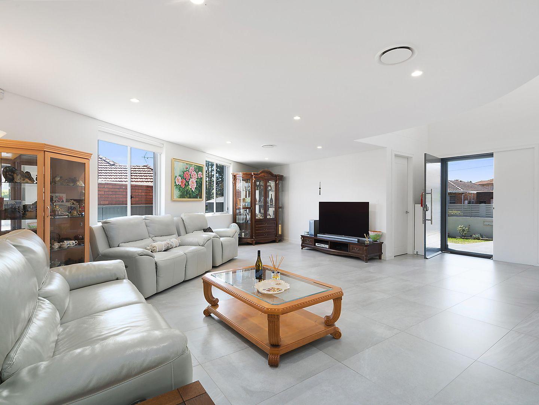 18 Austin Avenue, Beverly Hills NSW 2209, Image 2