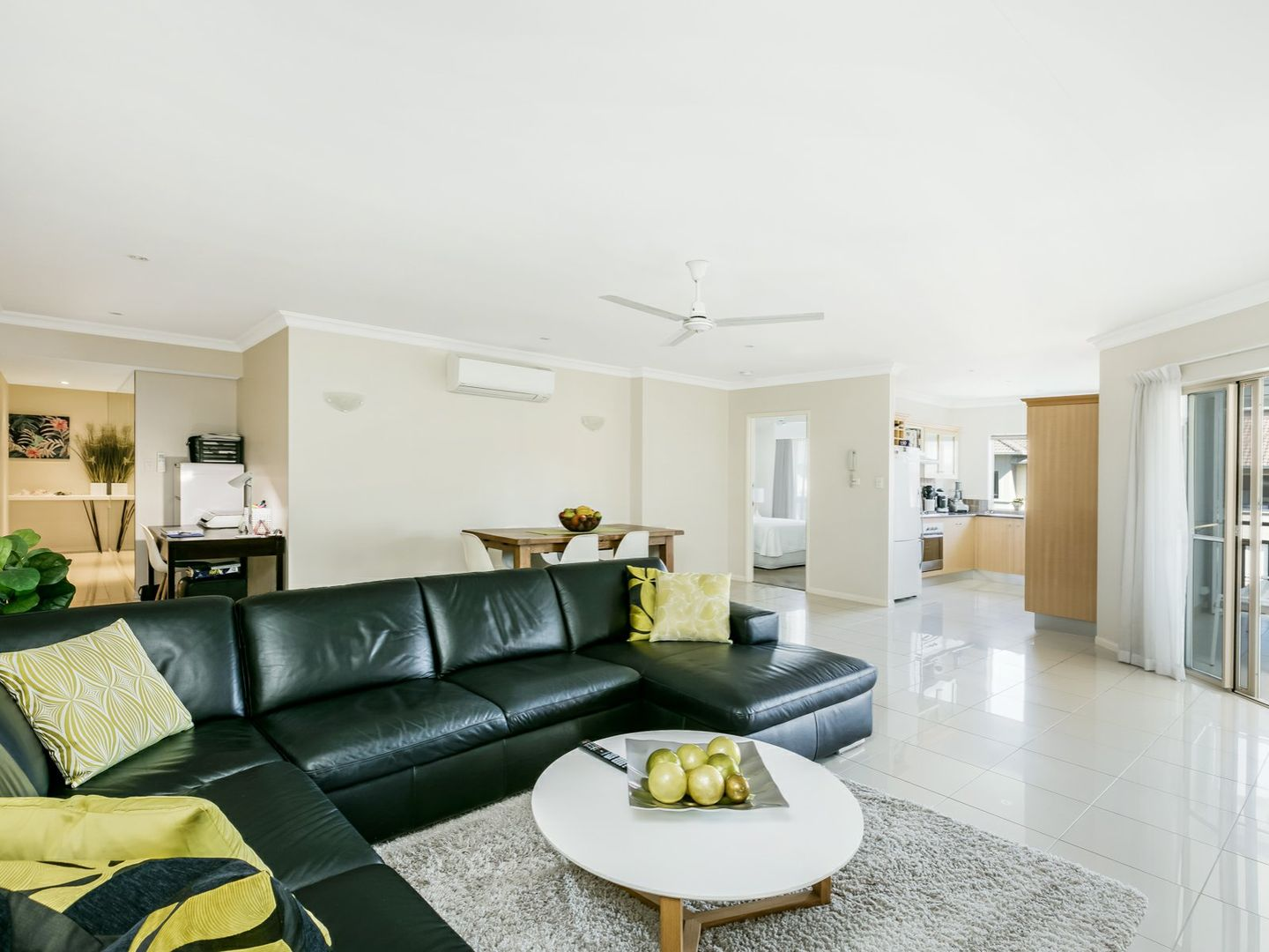 1526/2 Greenslopes Street, Cairns North QLD 4870, Image 1