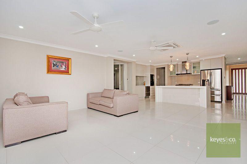 38 Ashmore Crescent, Burdell QLD 4818, Image 2