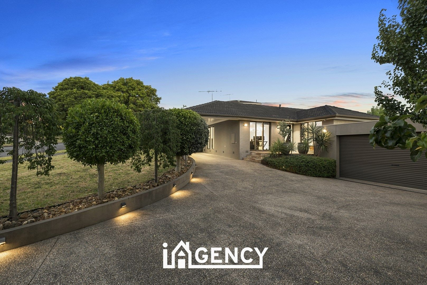 25 Zachary Hicks Crescent, Endeavour Hills VIC 3802, Image 0