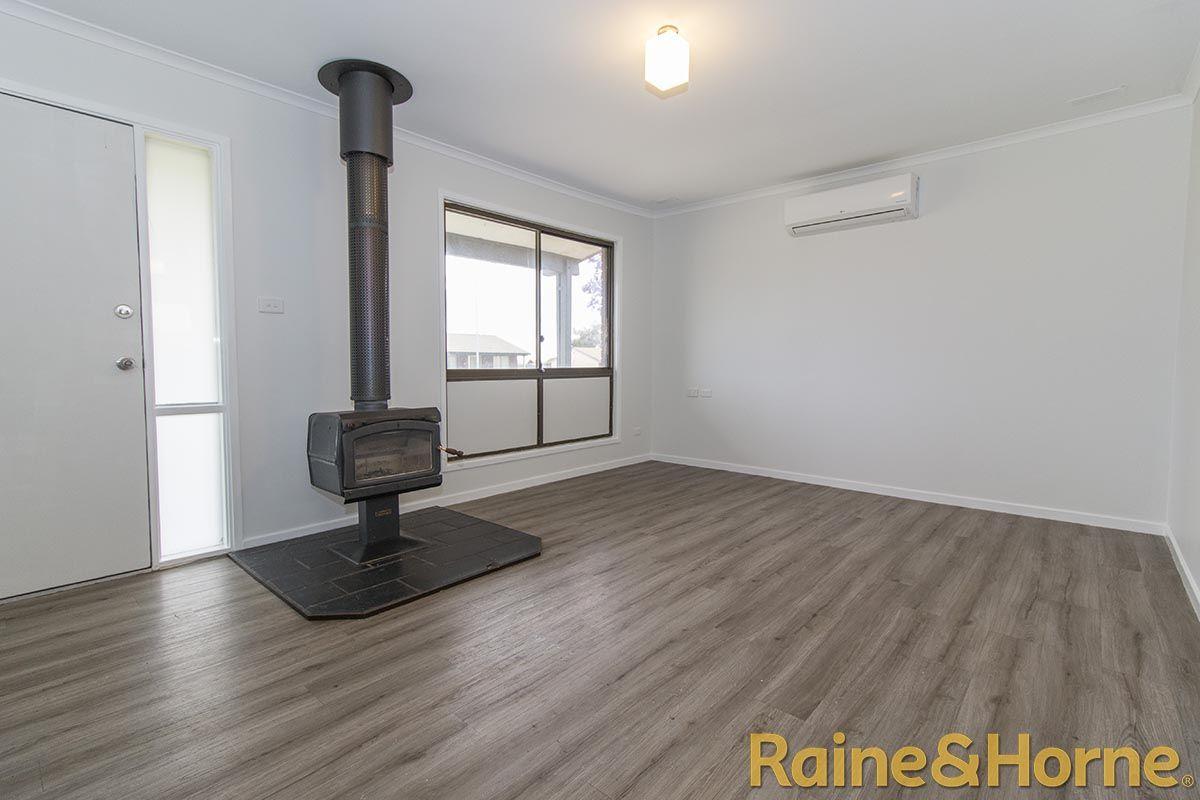 16 Salter Drive, Dubbo NSW 2830, Image 1