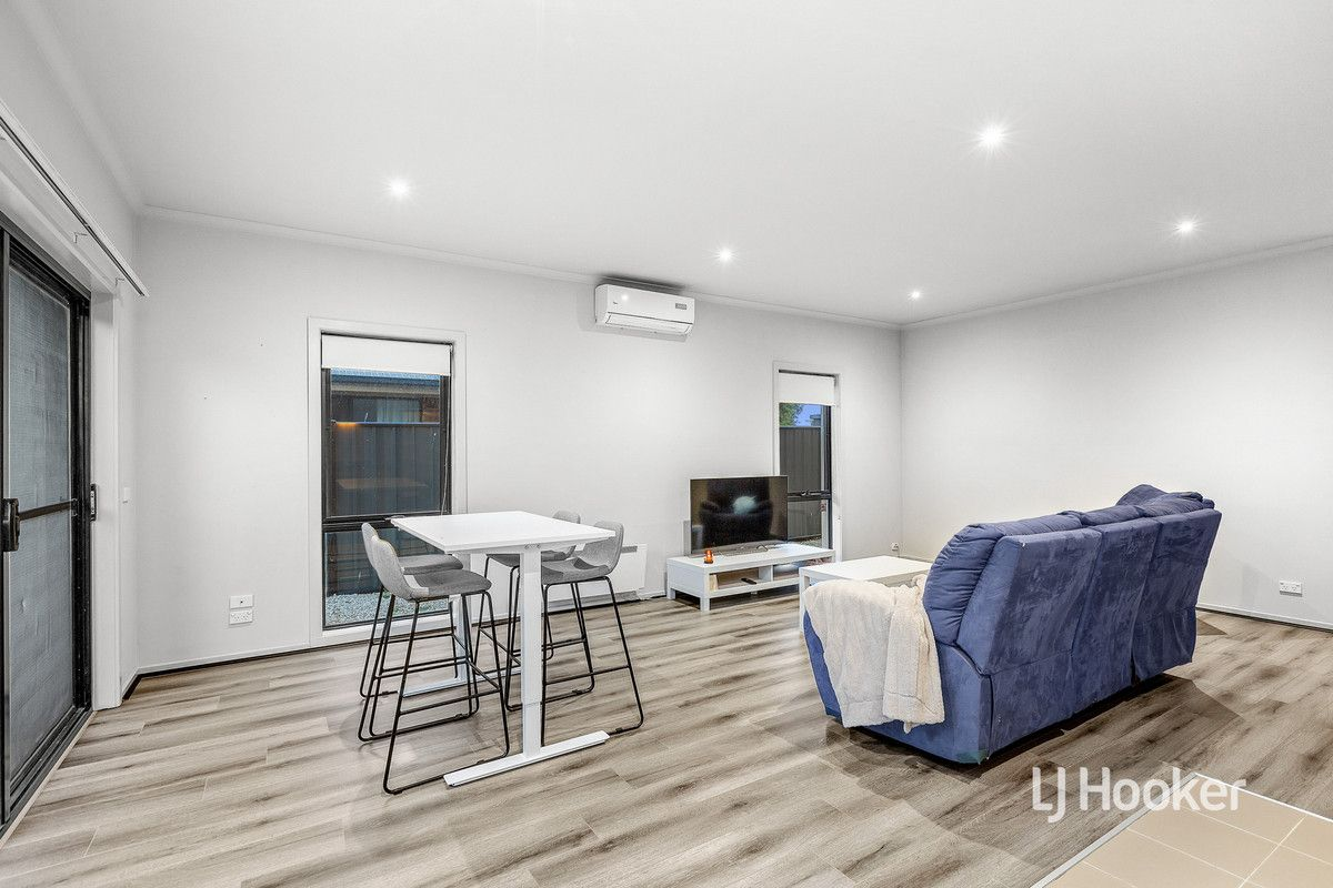 33/39 Astley Crescent, Point Cook VIC 3030, Image 1