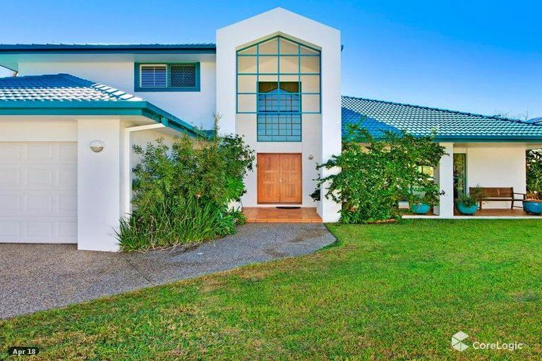 31 Montevideo Drive, Clear Island Waters QLD 4226, Image 2