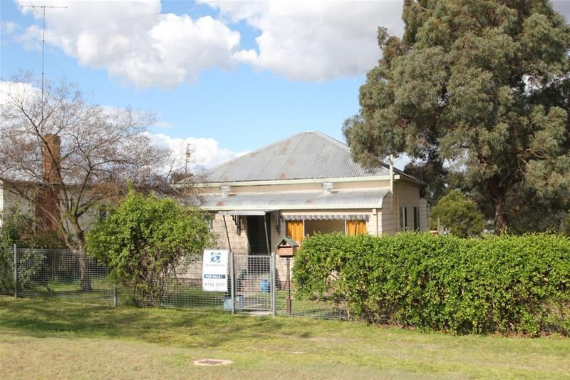 5 Erindee Avenue, Tenterfield NSW 2372, Image 0