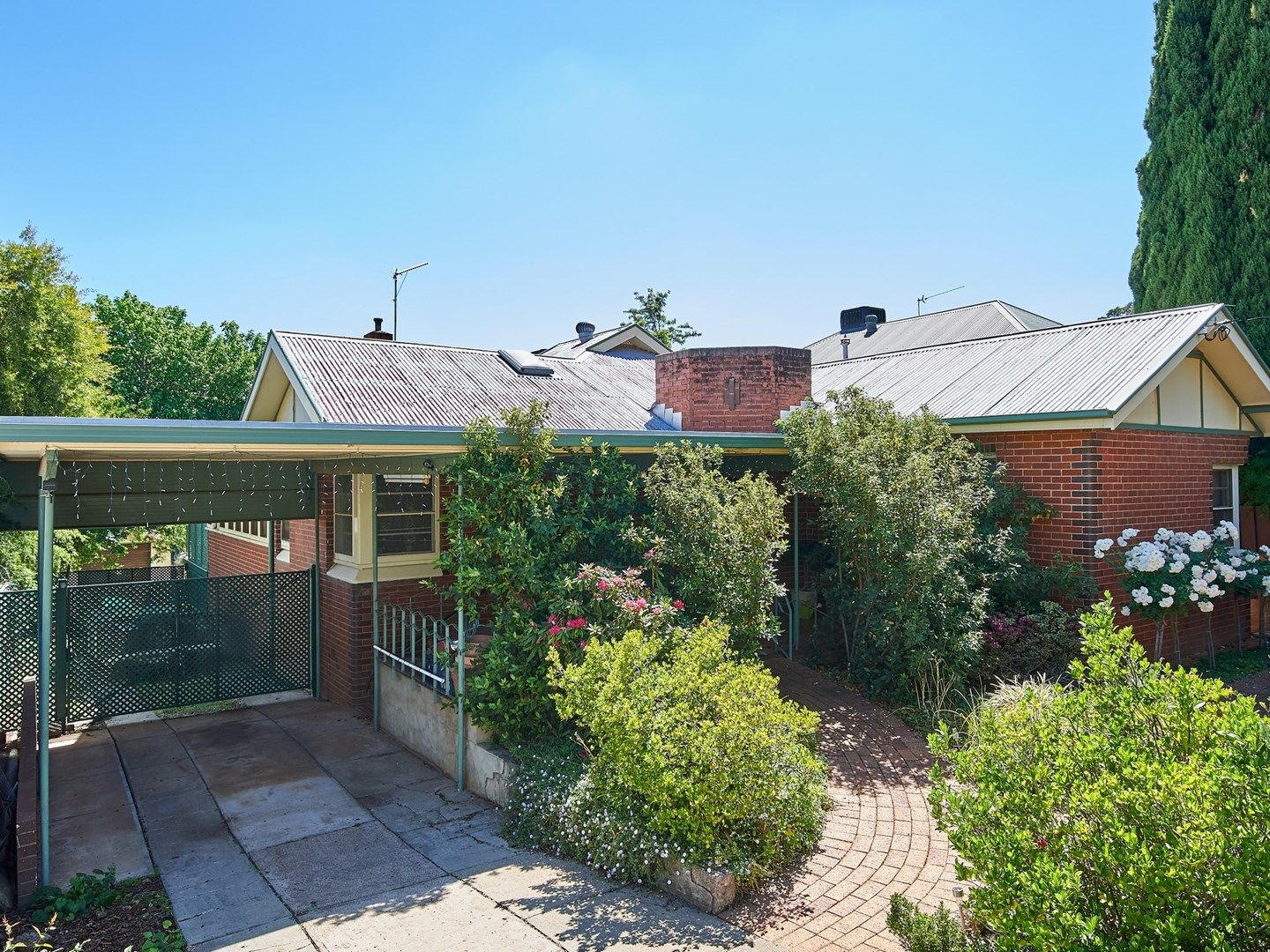 7 Coleman Street, Turvey Park NSW 2650, Image 0