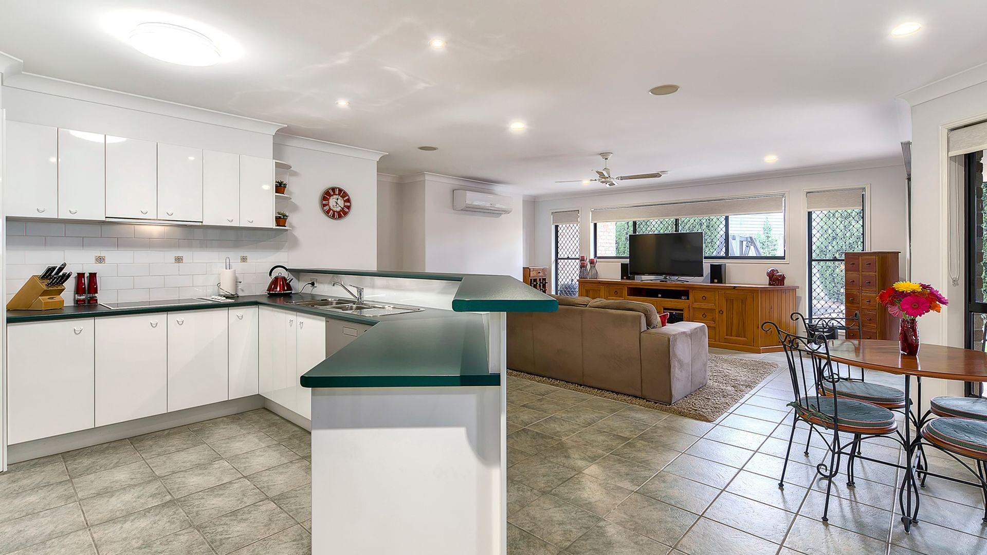 9 Portia  Close, Eatons Hill QLD 4037, Image 2