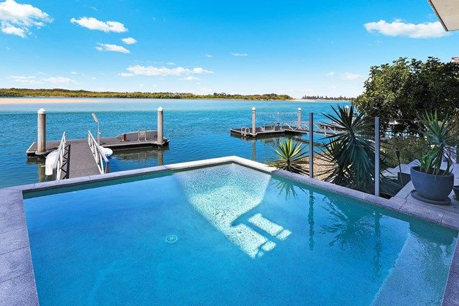 Picture of 96 Duporth Avenue, MAROOCHYDORE QLD 4558