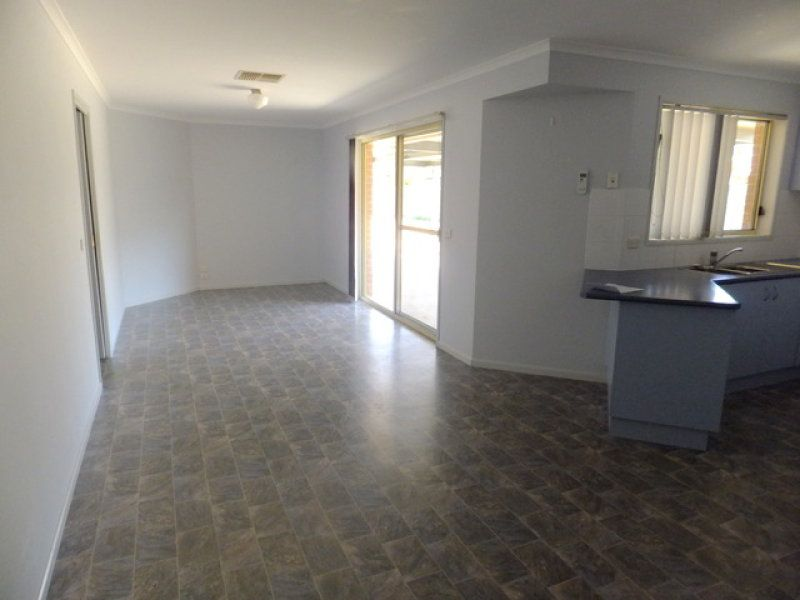 943 Calimo Street, North Albury NSW 2640, Image 1