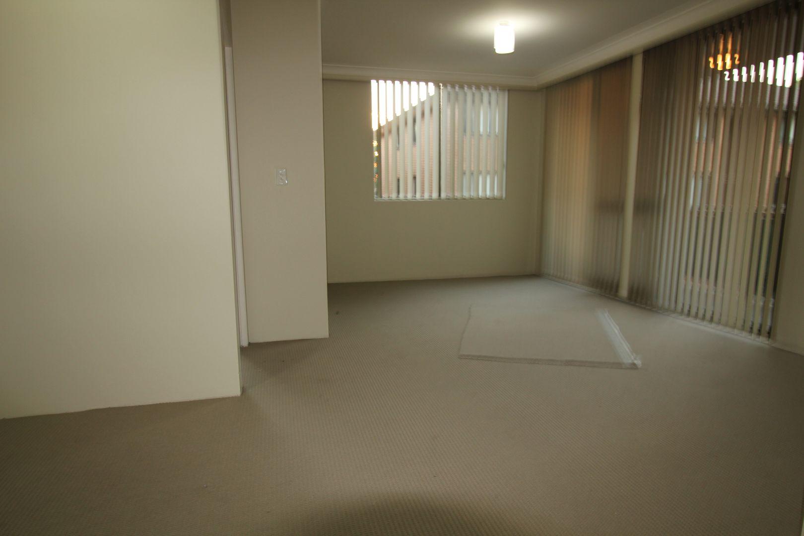 74/132 Moore Street, Liverpool NSW 2170, Image 2