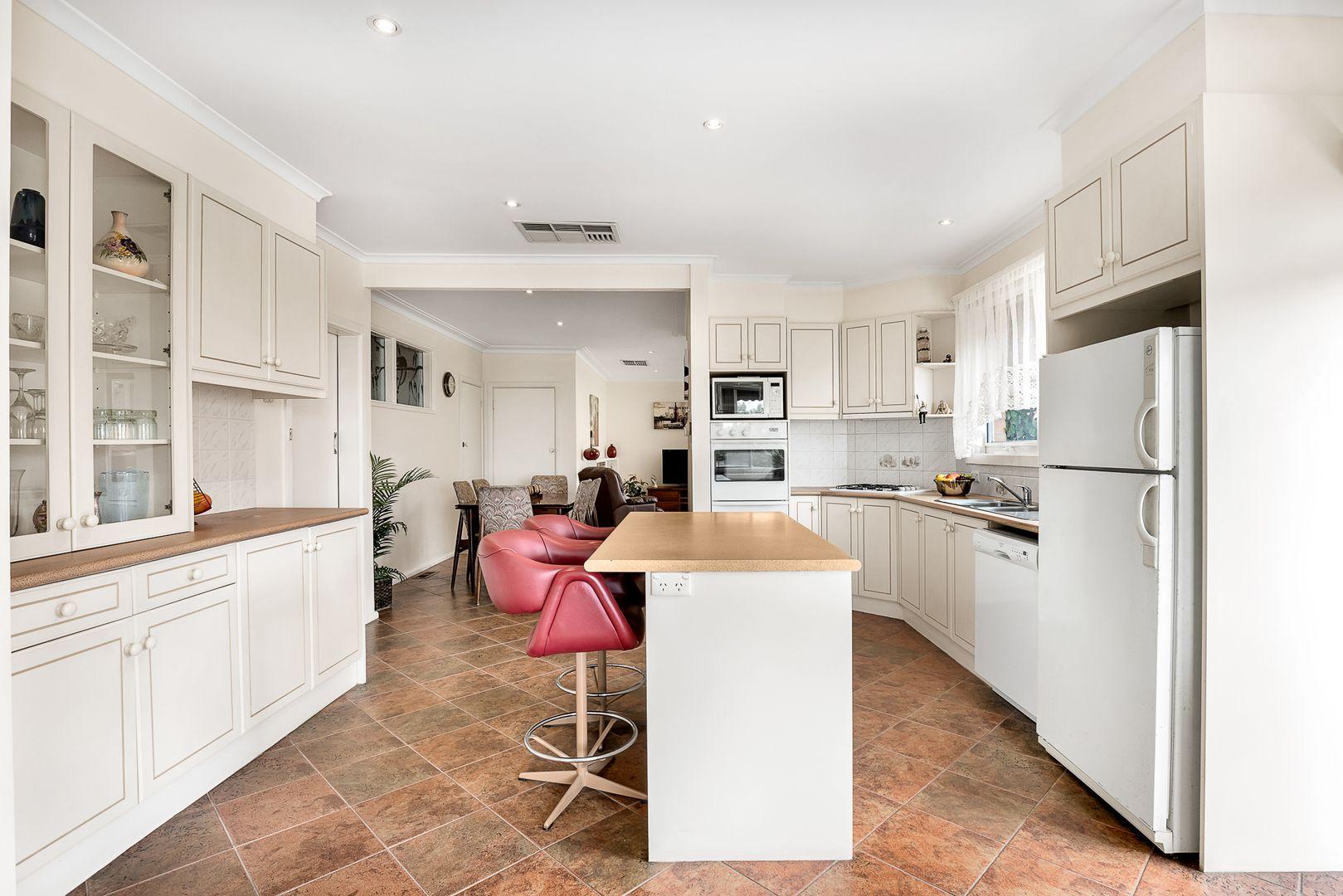 35 Olinda Street, Glen Waverley VIC 3150, Image 1