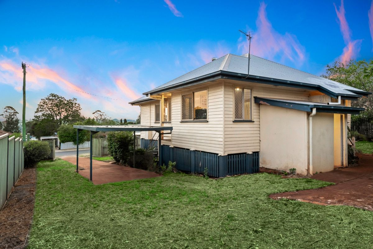 4 Mooney Street, Harlaxton QLD 4350, Image 2