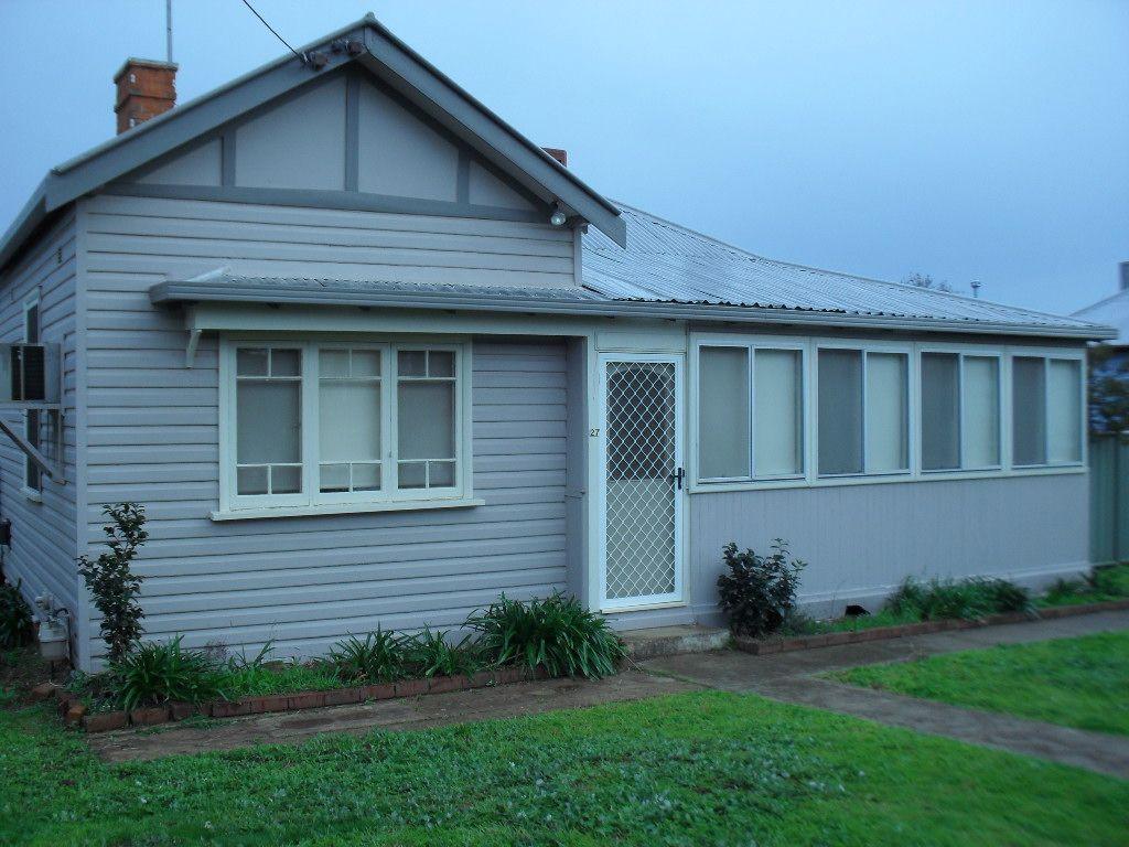 27 Willow Street, Leeton NSW 2705, Image 0