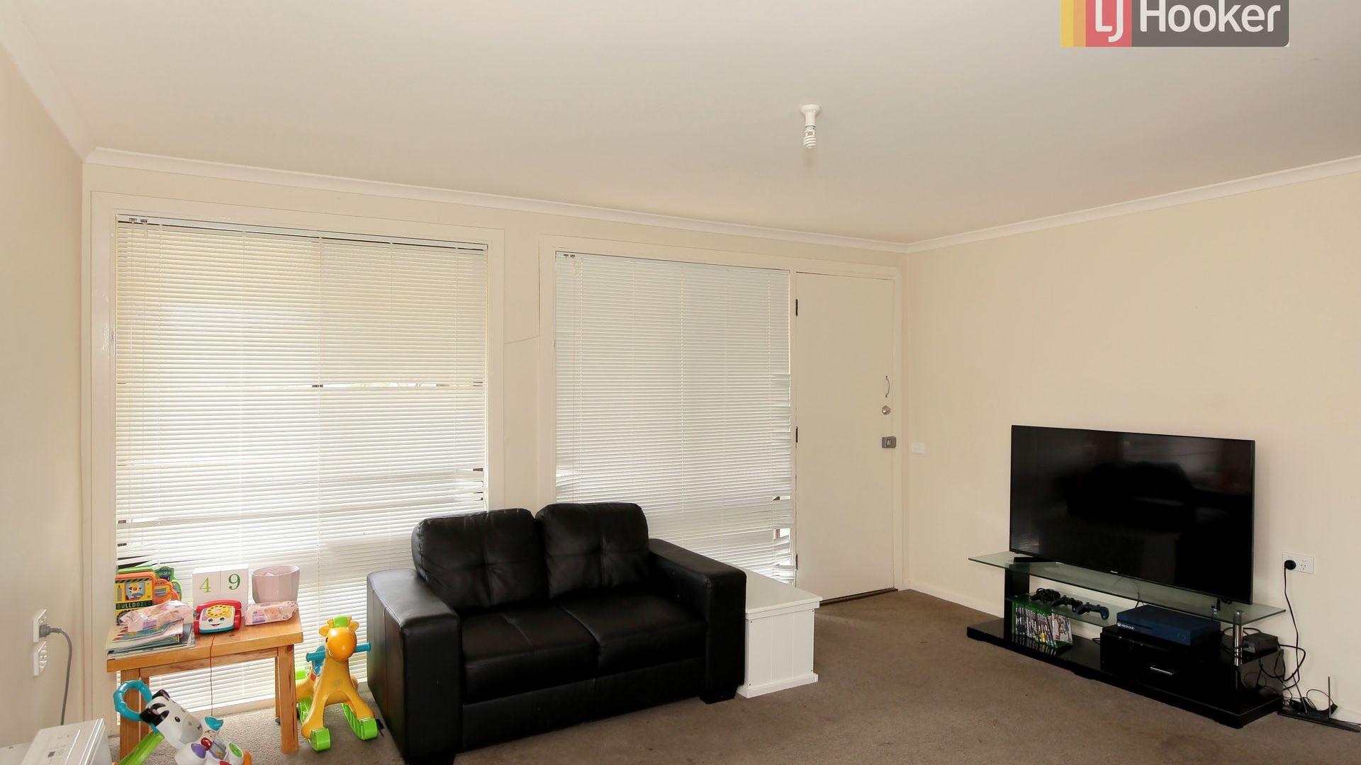 24 Marshall Street, Ashmont NSW 2650, Image 1