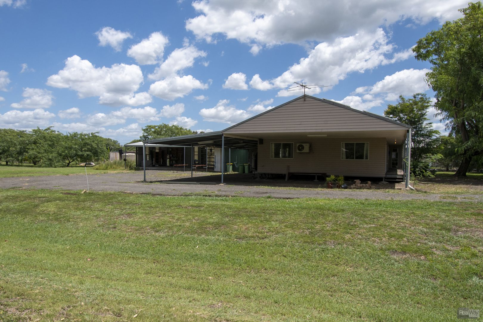 45 Adelong Avenue, Thagoona QLD 4306, Image 2