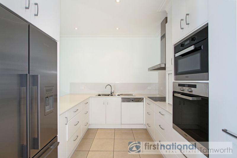2/3 MacArthur Place, Tamworth NSW 2340, Image 2