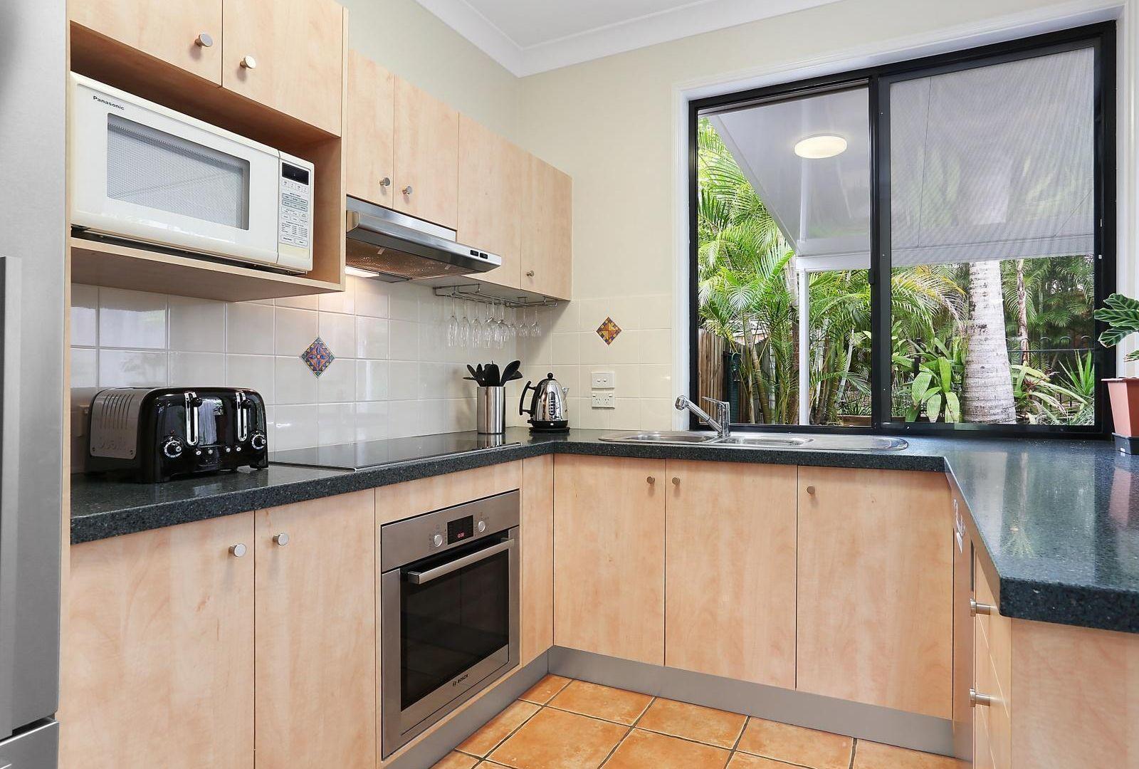 52A Broomfield Street, Taringa QLD 4068, Image 2