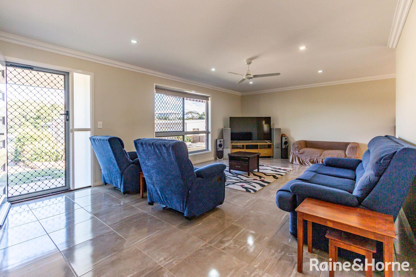 20 Finemore Crescent, Qunaba QLD 4670, Image 1