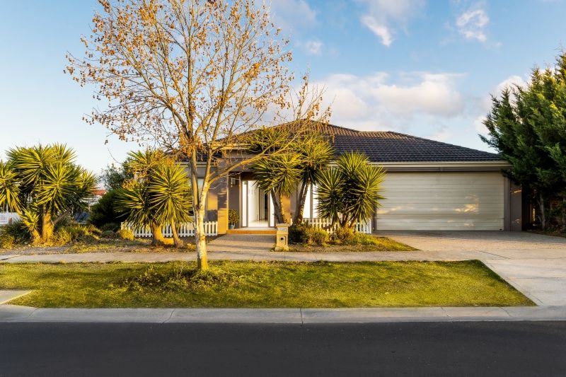 17 Lancefield Drive, Caroline Springs VIC 3023, Image 1