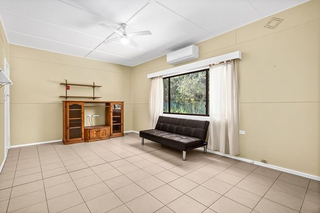 Picture of 2/18 Pass Avenue, THIRROUL NSW 2515