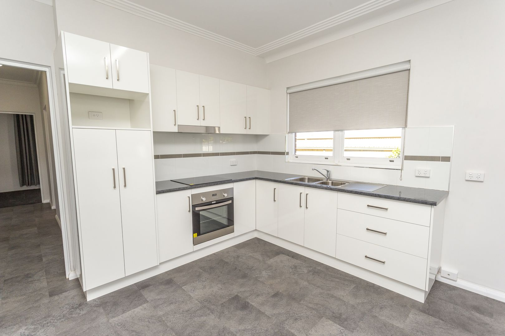 24 Cudgerie Avenue, Leeton NSW 2705, Image 2