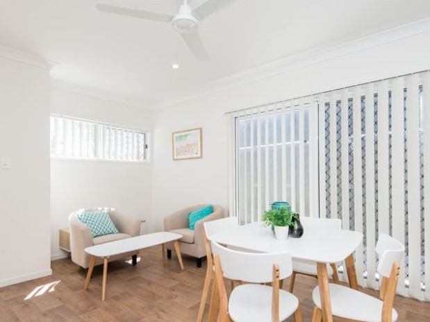 16 St Clements Road, Oxley QLD 4075, Image 0