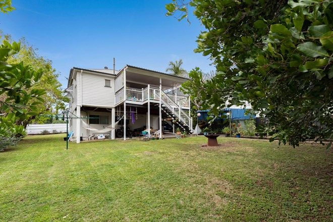 Picture of 55 Mearns Street, FAIRFIELD QLD 4103