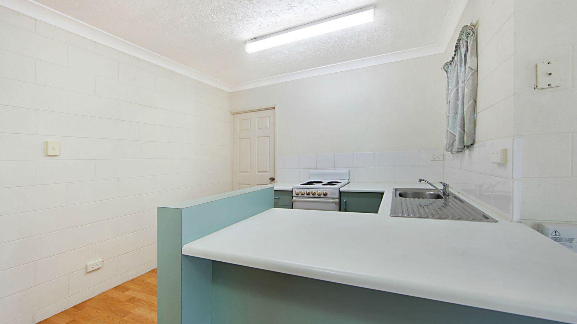 4/8 Queens Road, Railway Estate QLD 4810, Image 2