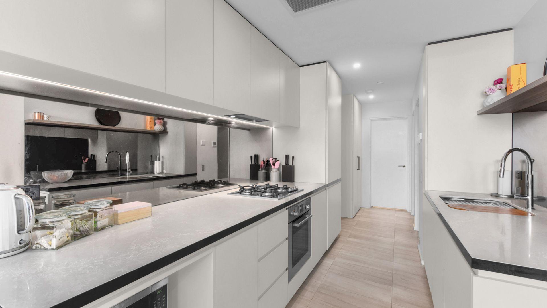 1315/9 Christie Street, South Brisbane QLD 4101, Image 2