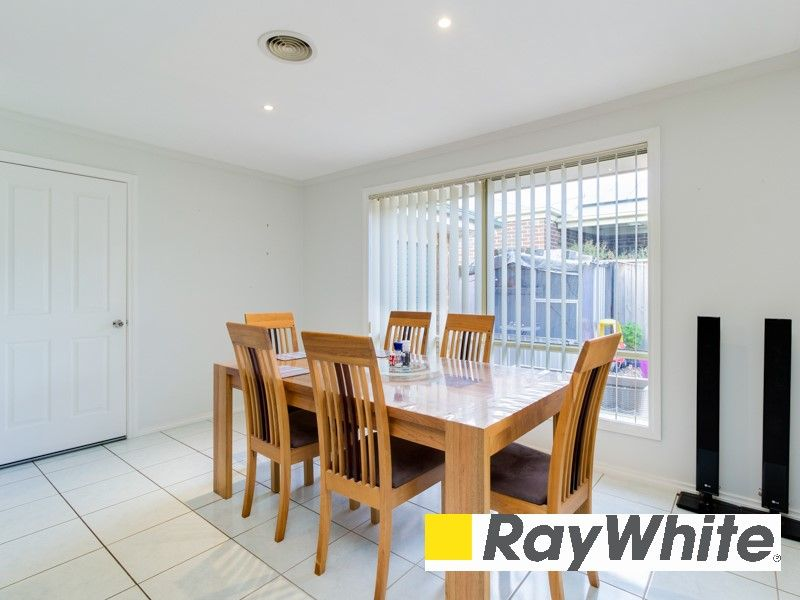 29 Meadowlands Way, Berwick VIC 3806, Image 2