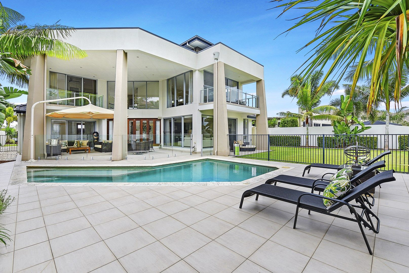2111 The Circle, Sanctuary Cove QLD 4212, Image 2