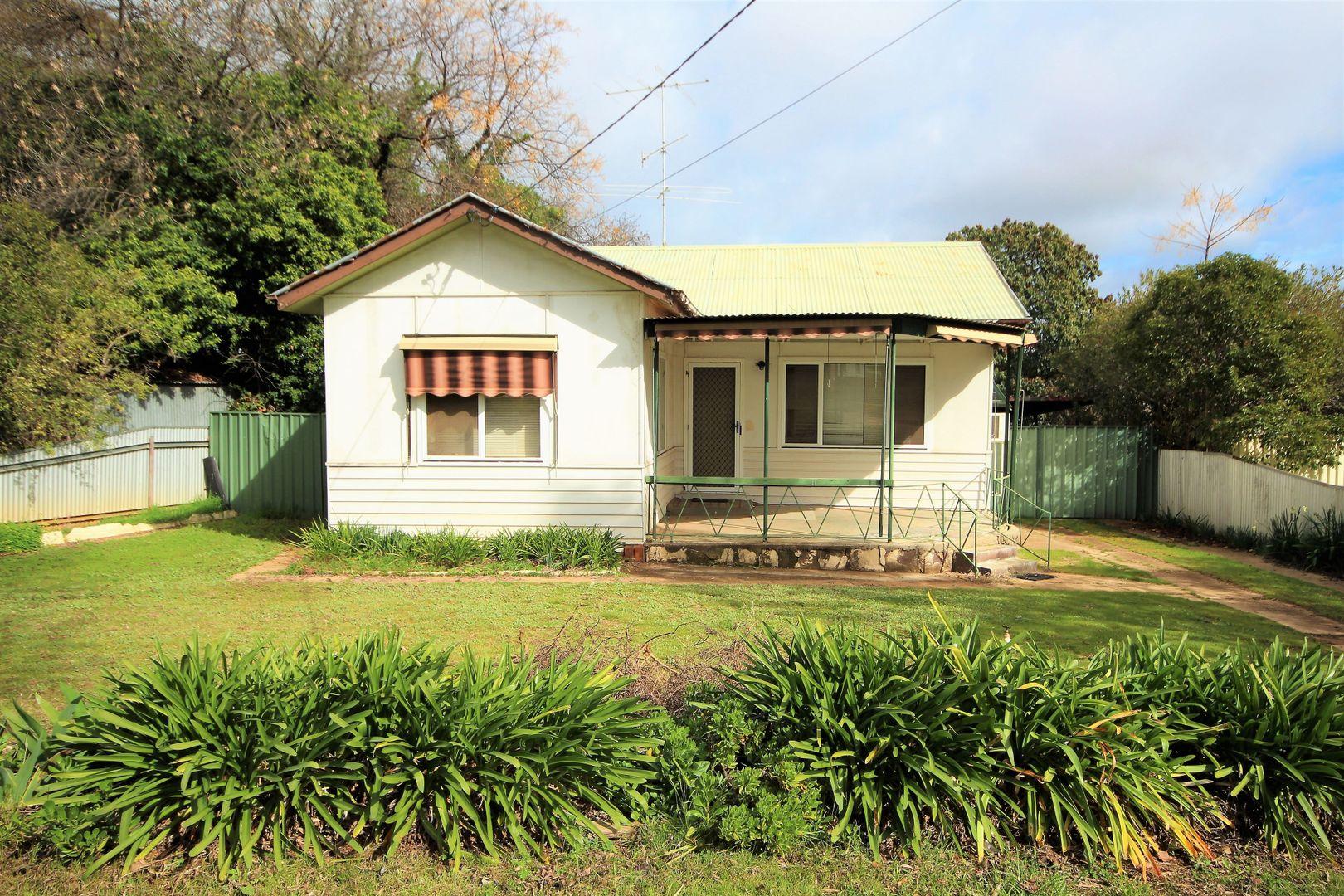 16 Macquarie Street, Mount Austin NSW 2650, Image 0