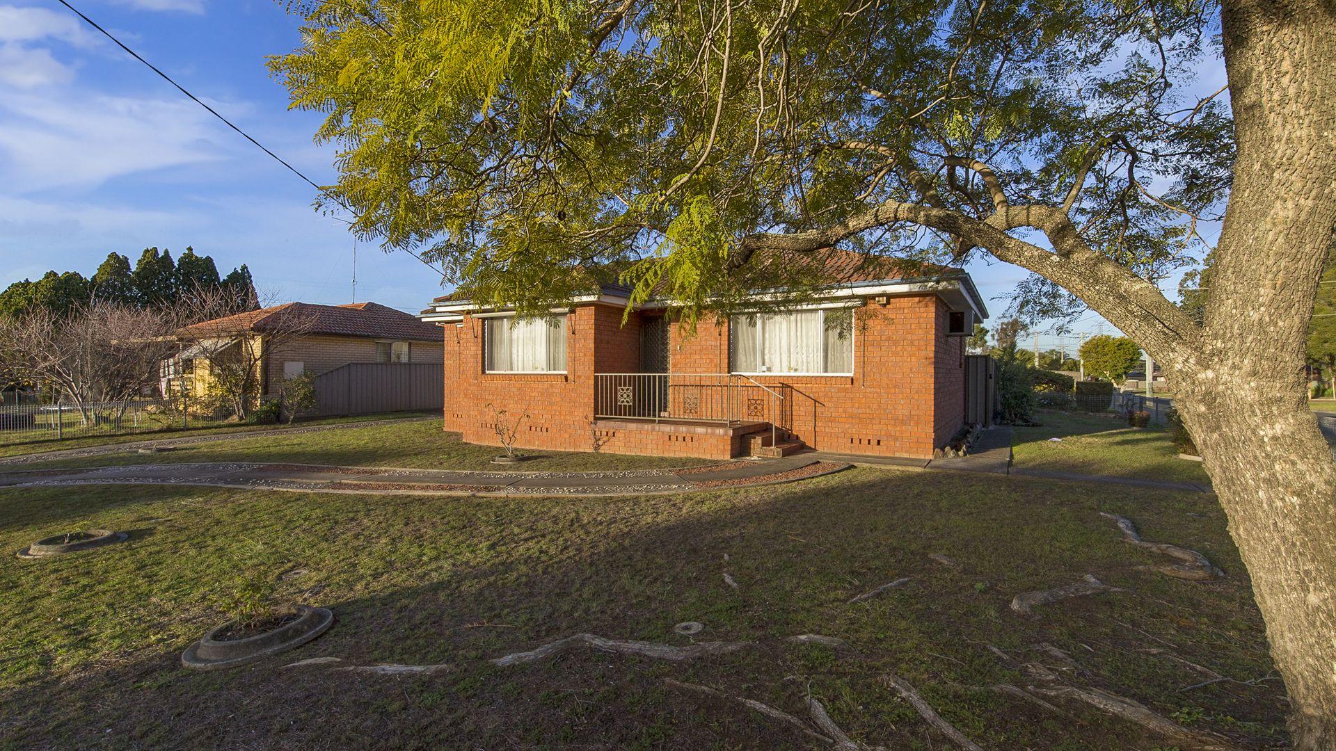 13 Munmora Place, Oxley Park NSW 2760, Image 1