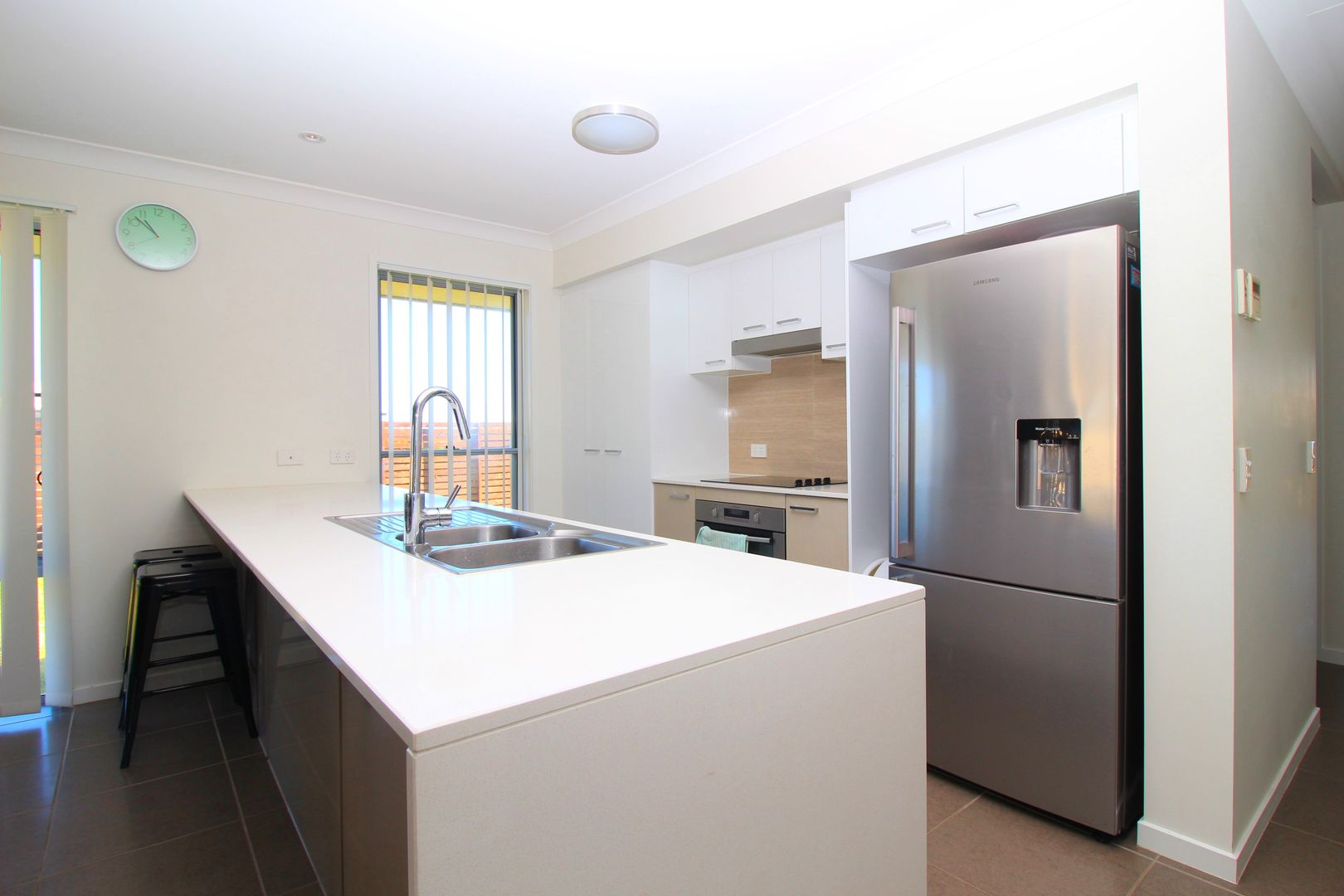 89 Canterbury Road, Emerald QLD 4720, Image 2