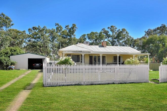 Picture of 27 Rennie St, GREAT WESTERN VIC 3374