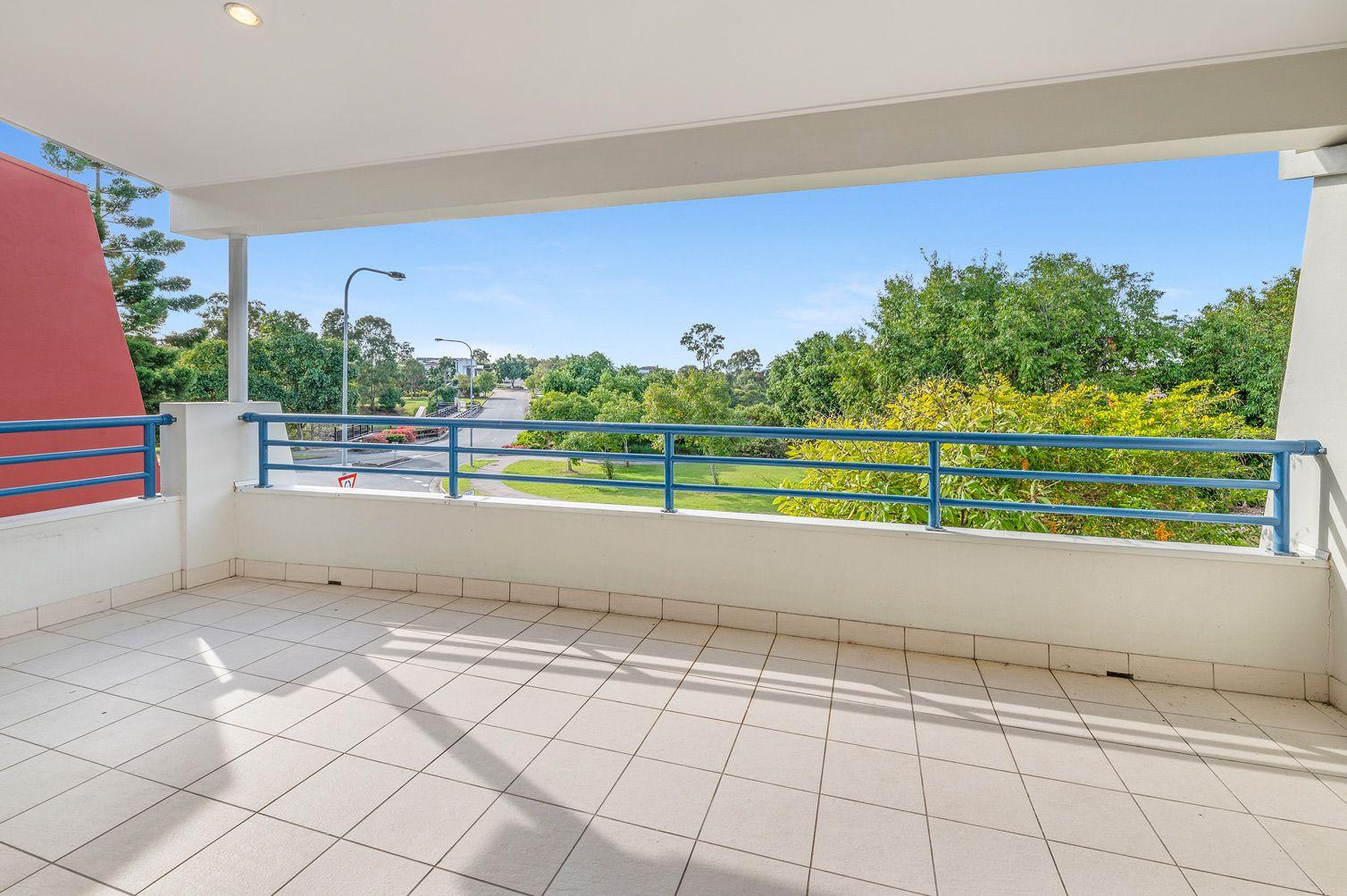 2/11 Azzurra Drive, Varsity Lakes QLD 4227, Image 2