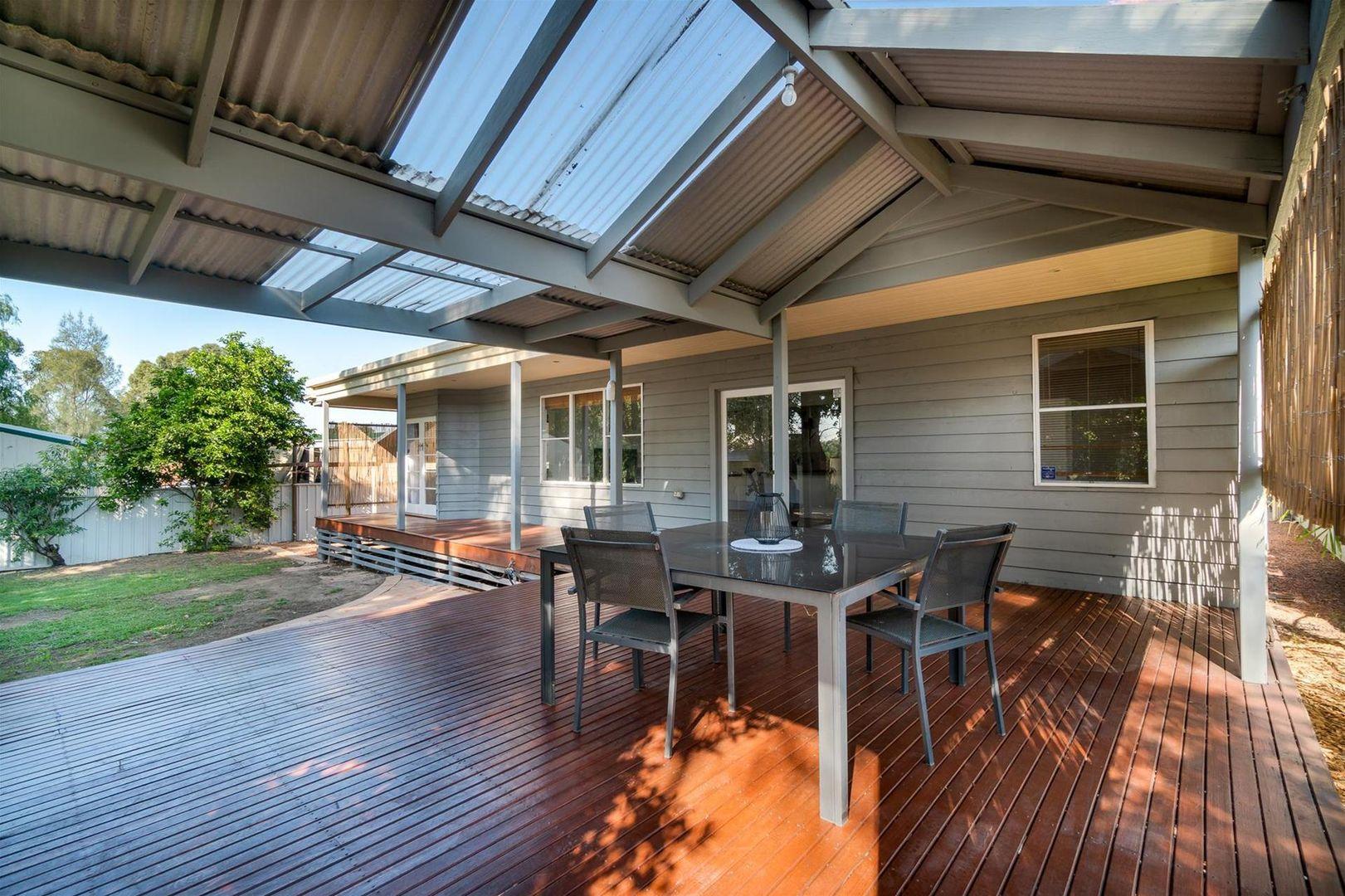15 Northcott Avenue, Singleton NSW 2330, Image 2