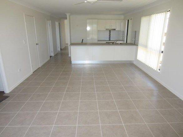 29 Orangeberry Circuit, Mount Low QLD 4818, Image 2