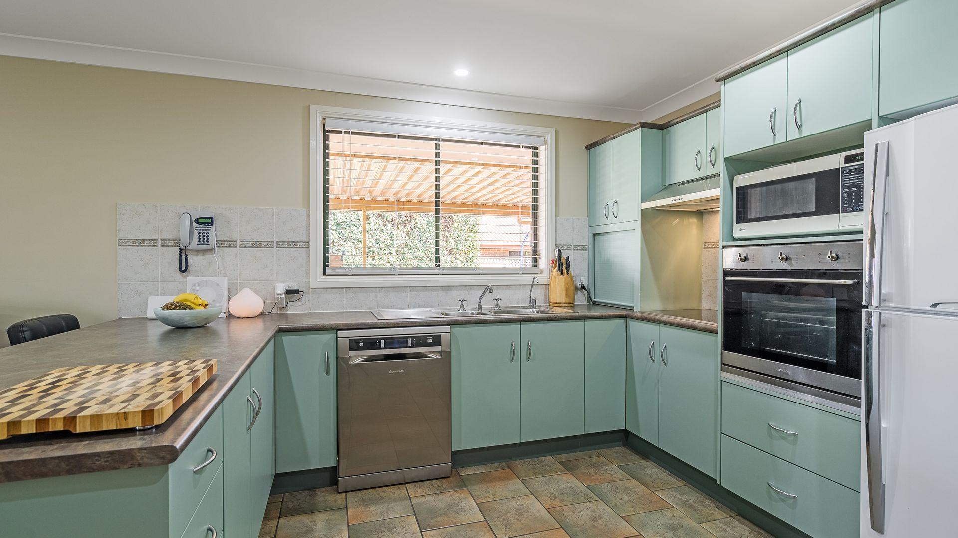 56 Twickenham Drive, Dubbo NSW 2830, Image 2
